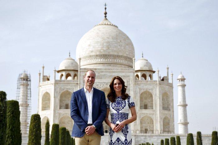 Γουίλιαμ και Κέιτ στο Ταζ Μαχάλ, 24 χρόνια μετά τη θρυλική φωτό της Νταϊάνα - εικόνα 12