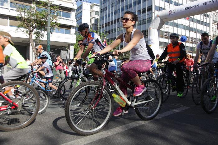 «Πλημμύρισε» ποδήλατα το κέντρο της Αθήνας - εικόνα 4