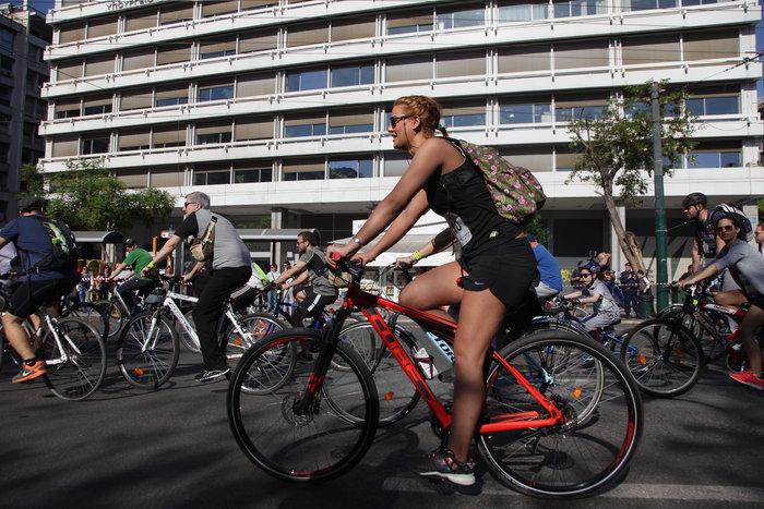 «Πλημμύρισε» ποδήλατα το κέντρο της Αθήνας - εικόνα 5