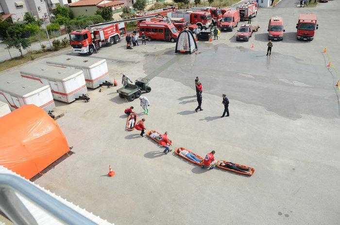 Άσκηση για τρομοκρατική επίθεση στο μετρό της Αθήνας με Sarin [εικόνες] - εικόνα 3