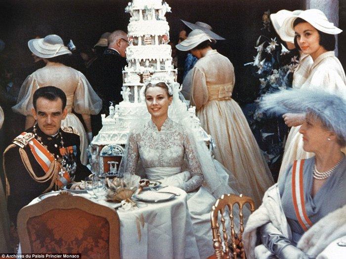 Ρενιέ-Γκρέις Κέλι του Μονακό: Ο πιο φαντασμαγορικός γάμος του αιώνα - εικόνα 5