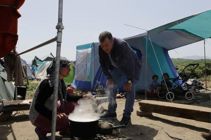 Θεοδωράκης στην Ειδομένη: Τα πράγματα είναι τραγικά