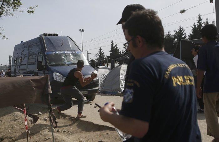 Ειδομένη:Αγρια επεισόδια μετά τον τραυματισμό πρόσφυγα - εικόνα 4