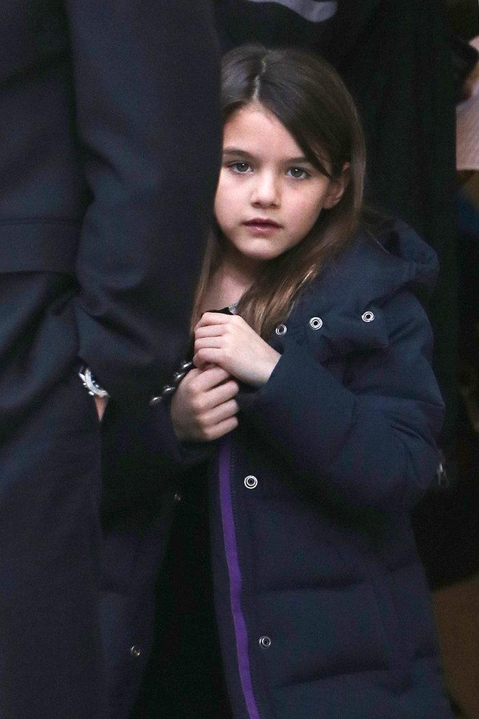 Απίστευτο δημοσίευμα: Η κόρη του Τομ Κρουζ είναι «διαβολικό παιδί»