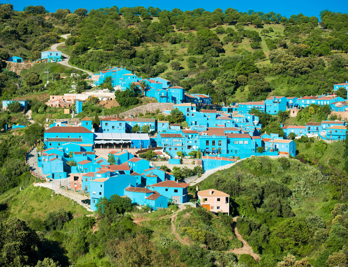 Juzcar, το πανέμορφο μπλε ανδαλουσιανό χωριό της Ισπανίας