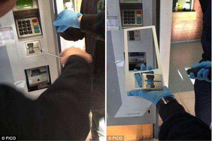 Οι απατεώνες εφαρμόζουν πάνω στα ΑΤΜ ειδικές συσκευές - «κλέφτες» που υποκλέπτουν τις πληροφορίες της κάρτας. Αυτές οι συσκευές τοποθετούνται πάνω την επιφάνεια των μηχανημάτων.