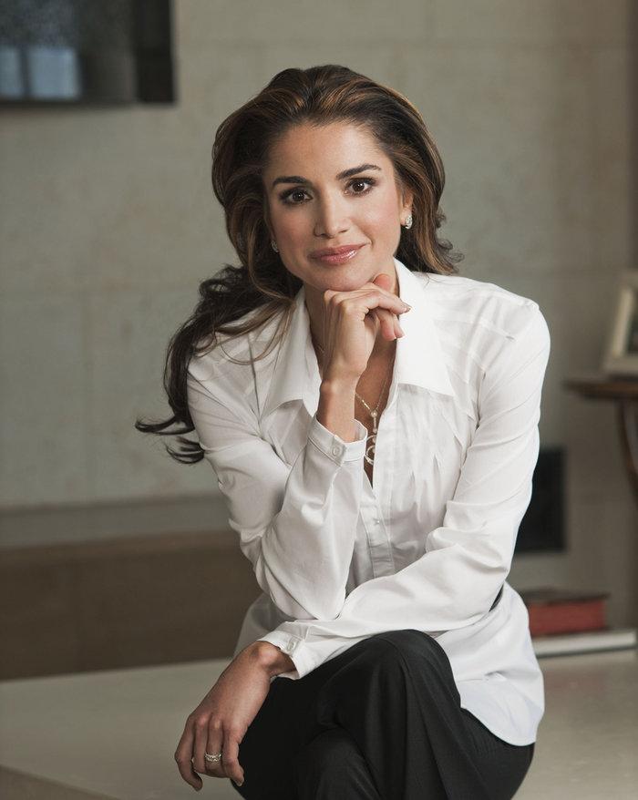 Η βασίλισσα Ράνια της Ιορδανίας στην Λέσβο την Μεγάλη Εβδομάδα