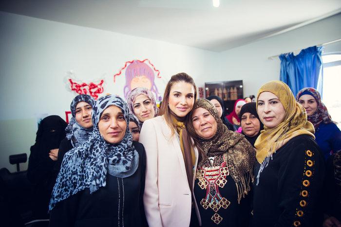 Η βασίλισσα Ράνια της Ιορδανίας στην Λέσβο την Μεγάλη Εβδομάδα - εικόνα 2