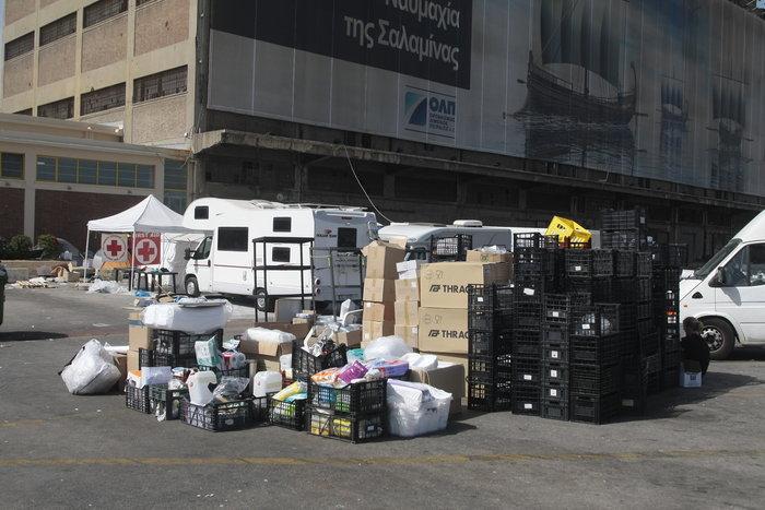 Εσωτερικές μετακινήσεις προσφύγων στο λιμάνι του Πειραιά - εικόνα 4