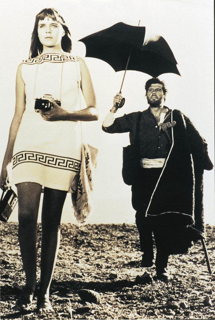 Γιάννης Βόγλης: Ο σκληρός του σινεμά που γέλασε μόνο στο «Στάσου, μύγδαλα» - εικόνα 2