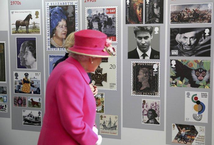 God save the queen: Η Ελισάβετ κλείνει τα 90 στο απόγειο της δημοφιλίας της - εικόνα 5
