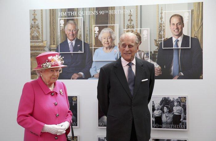 God save the queen: Η Ελισάβετ κλείνει τα 90 στο απόγειο της δημοφιλίας της - εικόνα 3