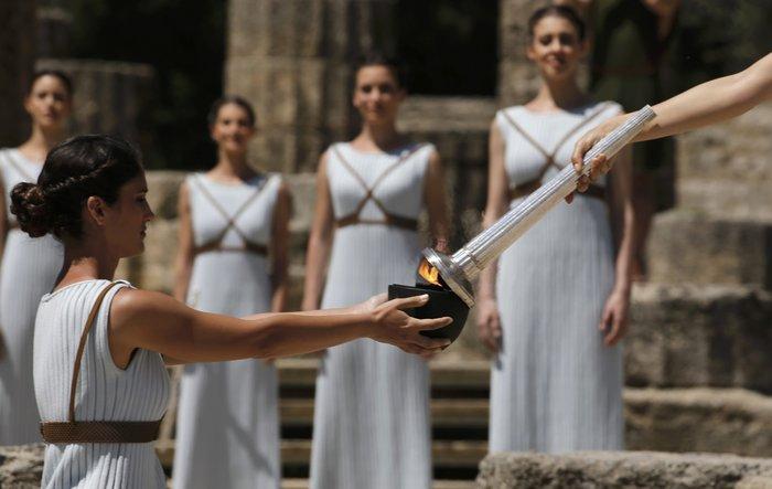 Καρέ καρέ η Τελετή Αφής της Ολυμπιακής Φλόγας - εικόνα 4