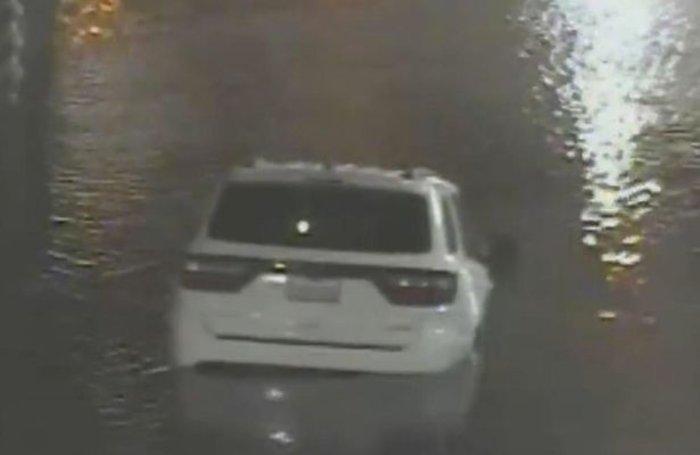 Βίντεο- σοκ: 25χρονη πνίγεται σε πλημμύρα ενώ οδηγεί