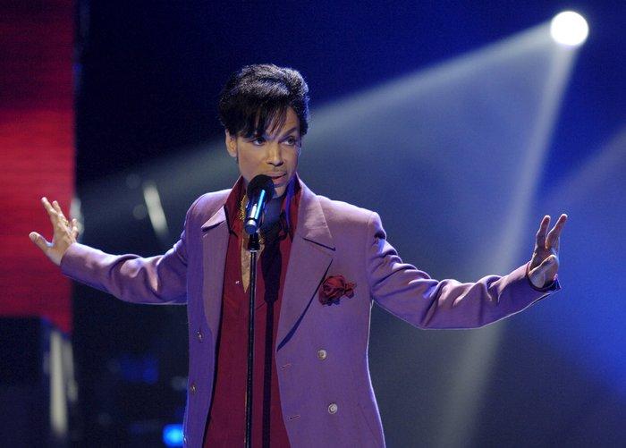 Νεκρός βρέθηκε ο Prince στην έπαυλή του στη Μινεσότα