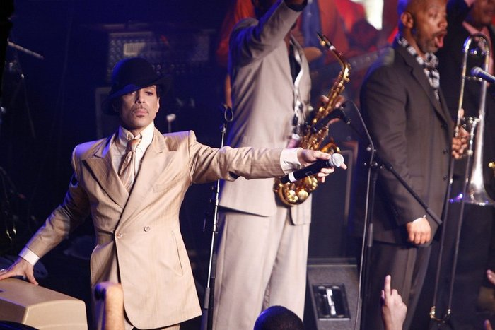 Νεκρός βρέθηκε ο Prince στην έπαυλή του στη Μινεσότα - εικόνα 6