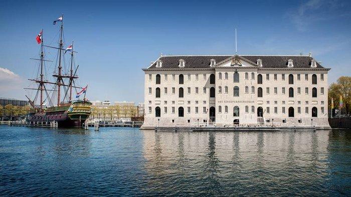 Με βάρκα έφτασε στο Eurogroup ο Ευκλείδης Τσακαλώτος