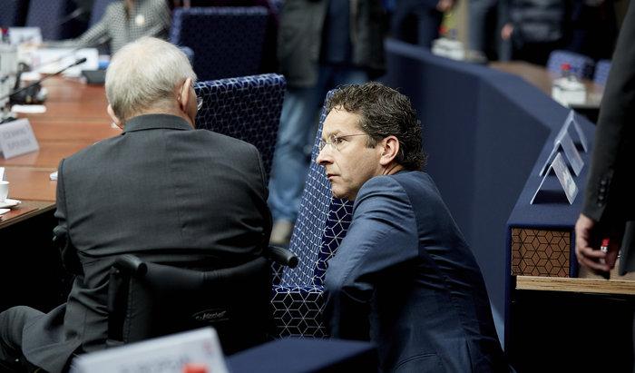 Ο πρόεδρος του Eurogroup Γ. Ντάισελμπλουμ με τον γερμανό υπουργό Οικονομικών Β. Σόιμπλε