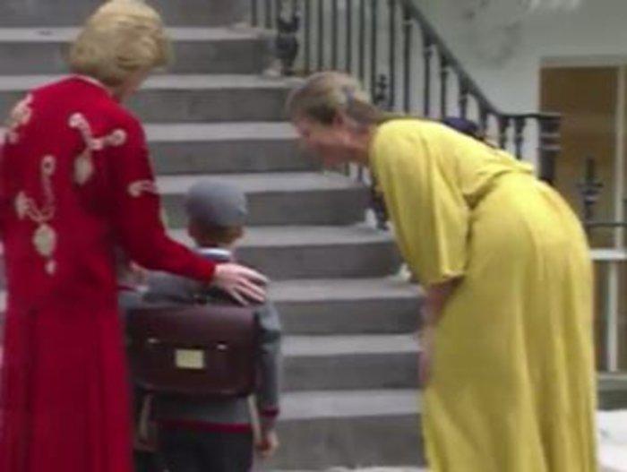 Σπάνιο βίντεο: Η Νταϊάνα πάει σχολείο τους μικρούς Ουίλιαμ και Χάρι - εικόνα 3