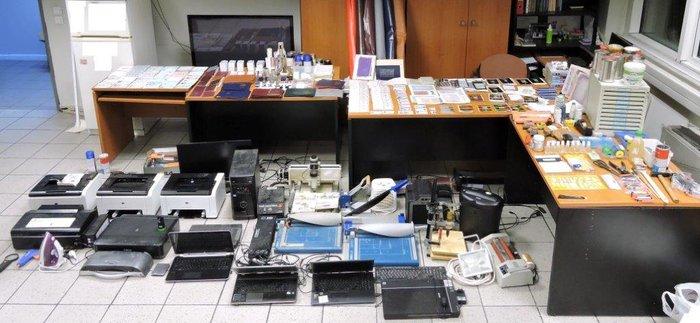 Εντόπισαν εργαστήριο πλαστών διαβατηρίων στην Κυψέλη