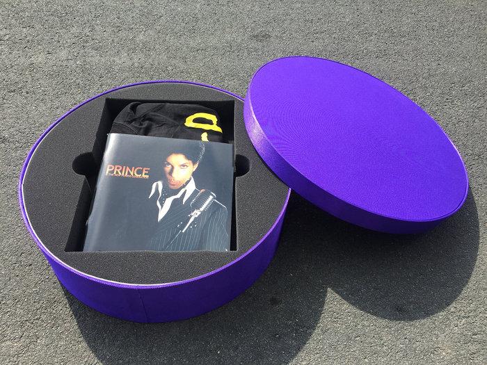 Aποτεφρώθηκε η σορός του Prince- Εικόνες από την τελετή - εικόνα 7