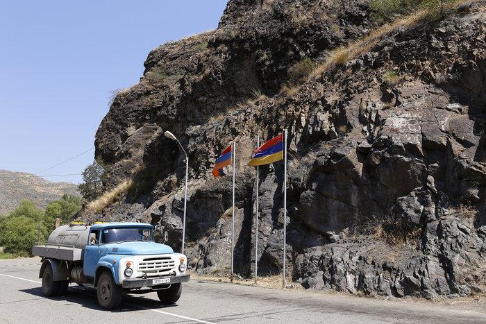 Μια Ελληνίδα από την Αρμενία φωτογραφίζει την ιδιαίτερη πατρίδα της