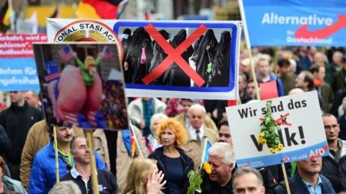 Διαδήλωση υποστηρικτών του κόμματος AfD στη Γερμανία