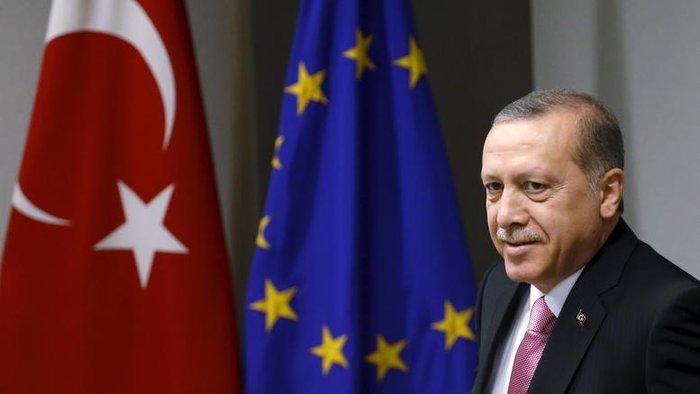Τουσκ: «Ο Ερντογάν να μην είναι τόσο ευαίσθητος στην κριτική»