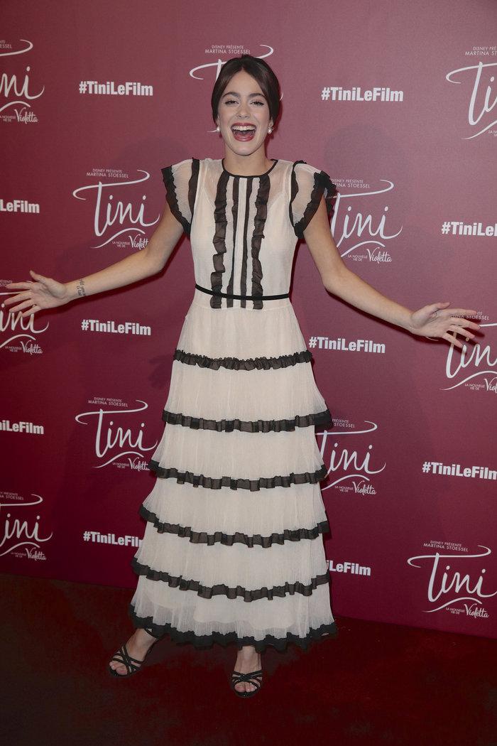 19χρονη Αργεντίνα μάγεψε το Παρίσι με αυτό το συγκλονιστικό φόρεμα