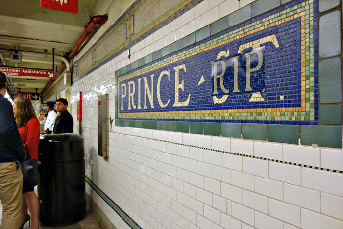 Η Nέα Υόρκη  απέκτησε σταθμό στην μνήμη του Prince