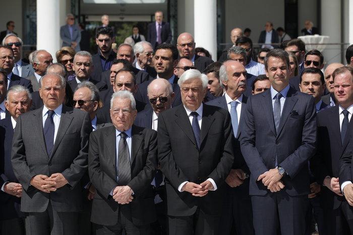 Ολη η ΝΔ στο μνημόσυνο του Κωνσταντίνου Καραμανλή - εικόνα 4