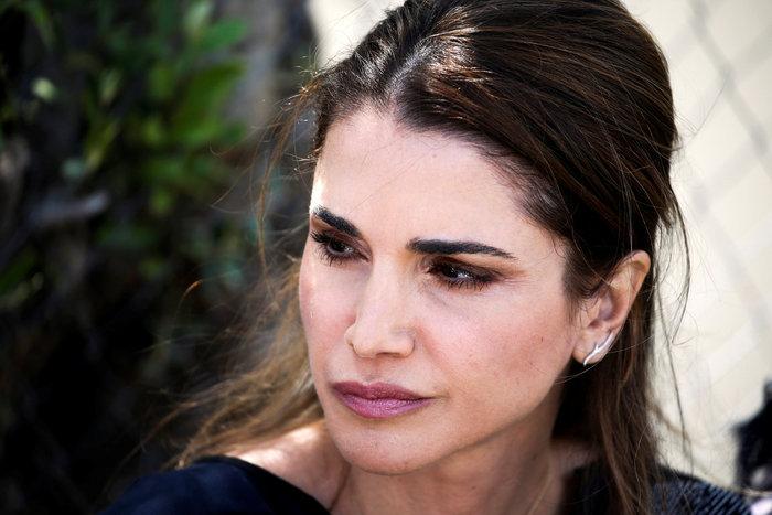 Η Βασίλισσα Ράνια από τη Λέσβο: Κανείς δεν επιλέγει να γίνει πρόσφυγας