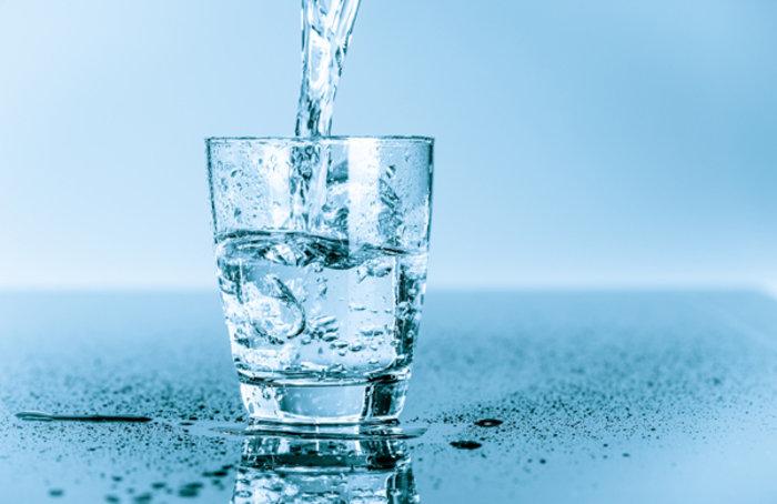 Τι παθαίνει το σώμα σας όταν πίνετε νερό νηστικοί - εικόνα 2
