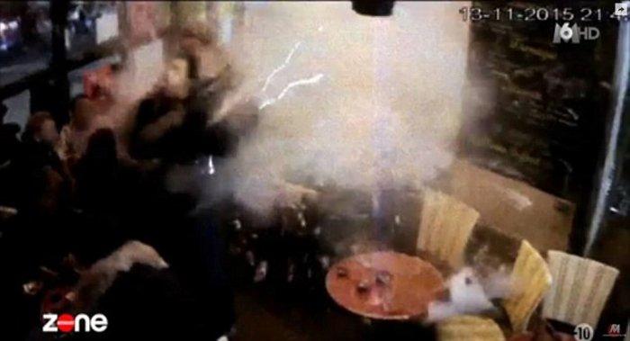 Βίντεο-σοκ με την επίθεση αυτοκτονίας του Αμπντεσλάμ - εικόνα 4