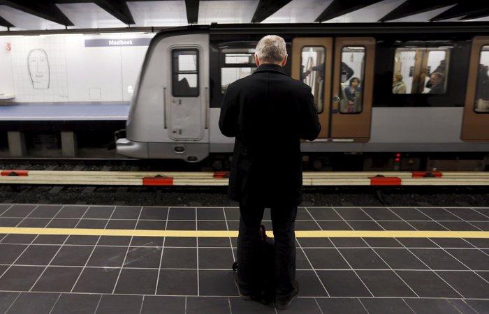 Συγκινητικές εικόνες:Ανοίγει ξανά ο σταθμός Μάλμπεκ μετά τις επιθέσεις - εικόνα 11