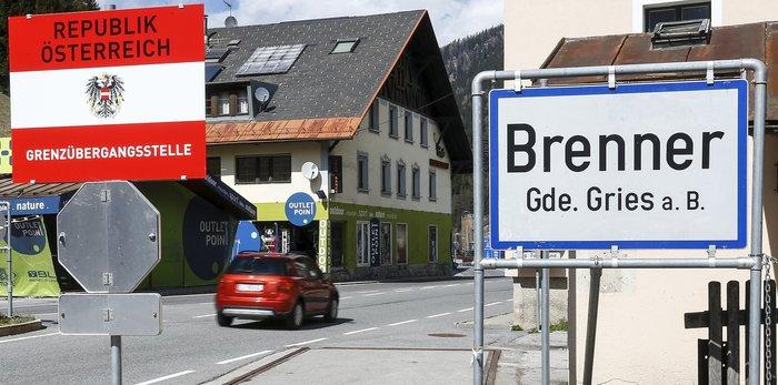 Οργή Ρέντσι για τον φράκτη που στήνει η Αυστρία στα σύνορα