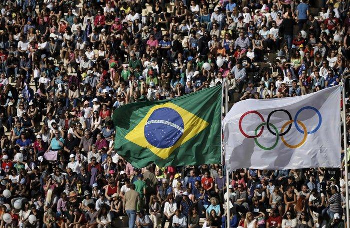 Ξεκίνησε η τελετή παράδοσης της Ολυμπιακής Φλόγας - εικόνα 9