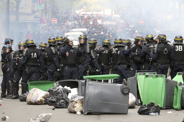 Ξύλο και συλλήψεις σε νέες διαδηλώσεις στη Γαλλία για τα εργασιακά - εικόνα 6
