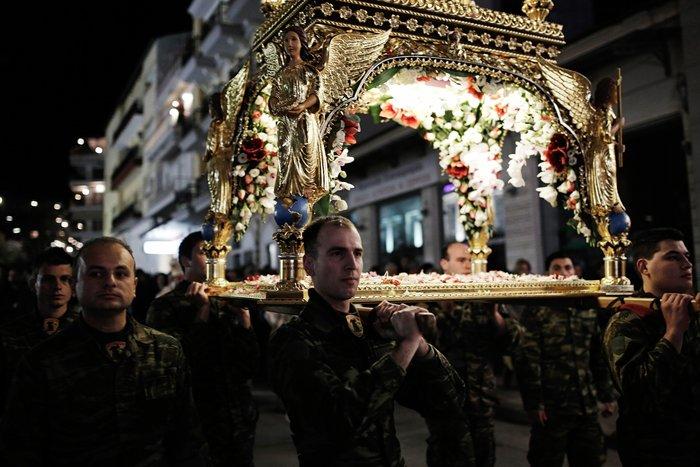 Μεγάλη Παρασκευή :Το μεγάλο πένθος της Χριστιανοσύνης - εικόνα 2