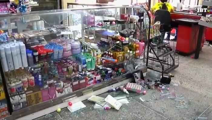 Εικόνες χάους με επεισόδια και λεηλασίες στη Βενεζουέλα