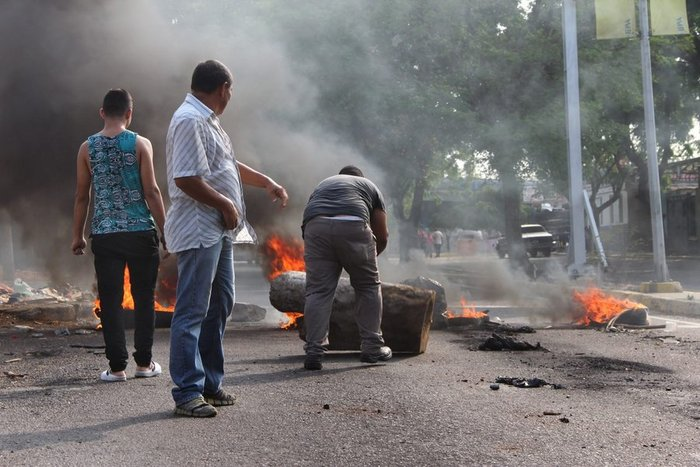 Εικόνες χάους με επεισόδια και λεηλασίες στη Βενεζουέλα - εικόνα 5
