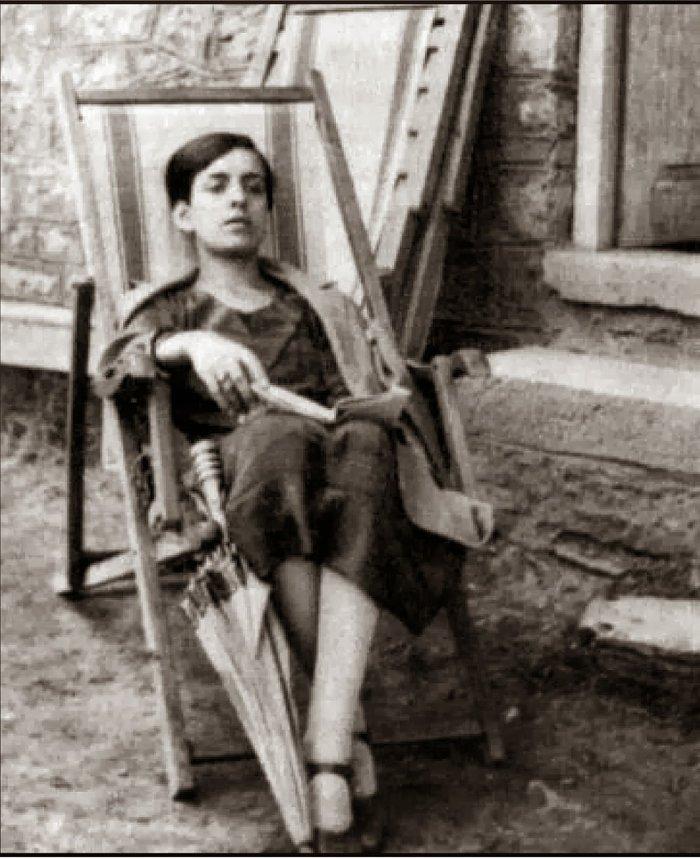 Σαν σήμερα αυτοκτόνησε η Μ. Πολυδούρη - Ο αδιέξοδος έρωτας με τον Καρυωτάκη