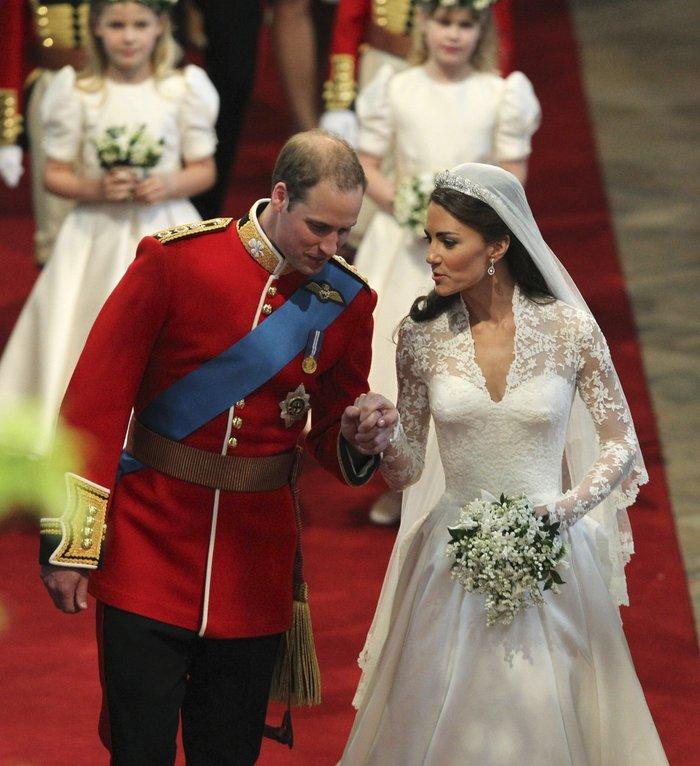 Σαν σήμερα 5 χρόνια πριν: Ο παραμυθένιος βασιλικός γάμος Γουίλιαμ - Κέιτ - εικόνα 3