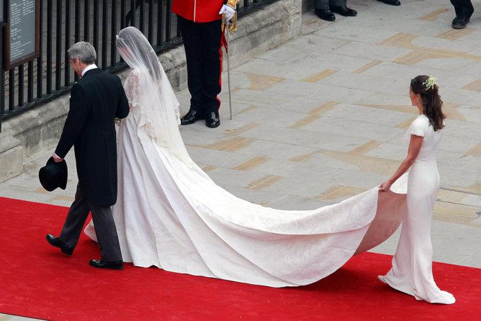 Σαν σήμερα 5 χρόνια πριν: Ο παραμυθένιος βασιλικός γάμος Γουίλιαμ - Κέιτ - εικόνα 6