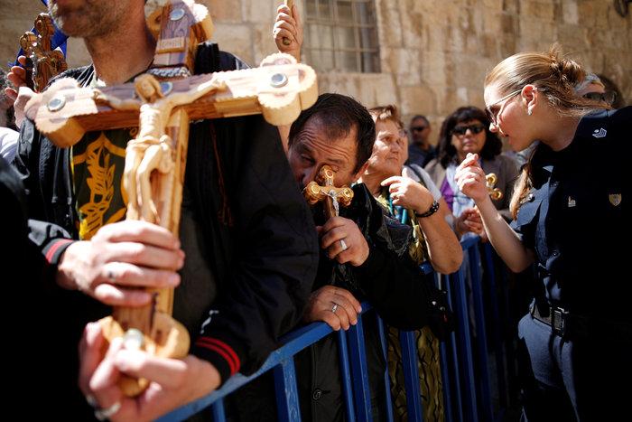 Ιερουσαλήμ: Η πομπή στην Οδό του Μαρτυρίου έως τον Γολγοθά - φωτο - εικόνα 6