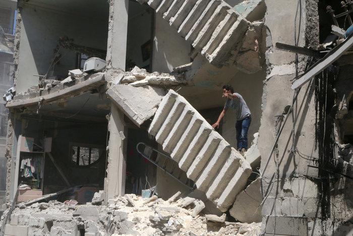 Πάνω από  50 οι νεκροί στους βομβαρδισμούς του Χαλεπίου - εικόνα 4