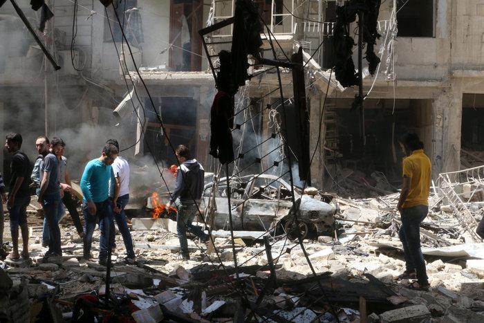 Πάνω από  50 οι νεκροί στους βομβαρδισμούς του Χαλεπίου - εικόνα 5