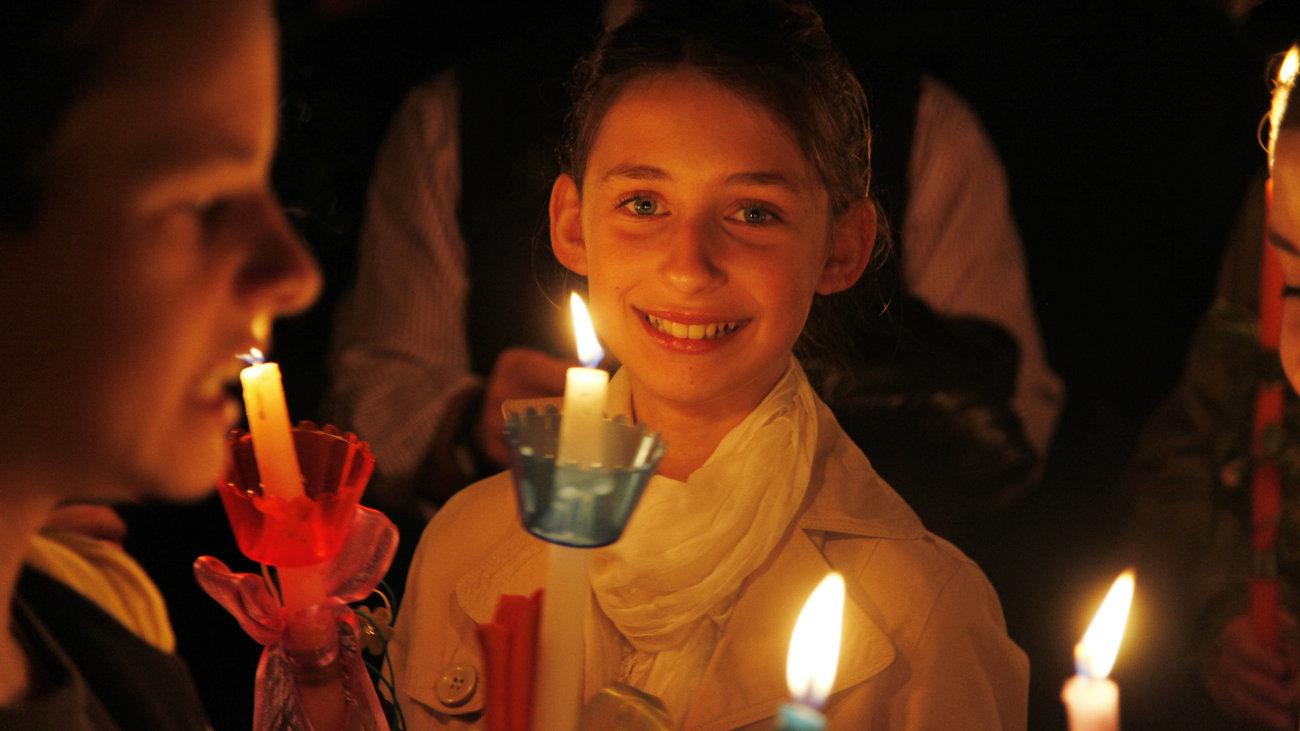 Αποτέλεσμα εικόνας για άγιο φως λαμπάδα