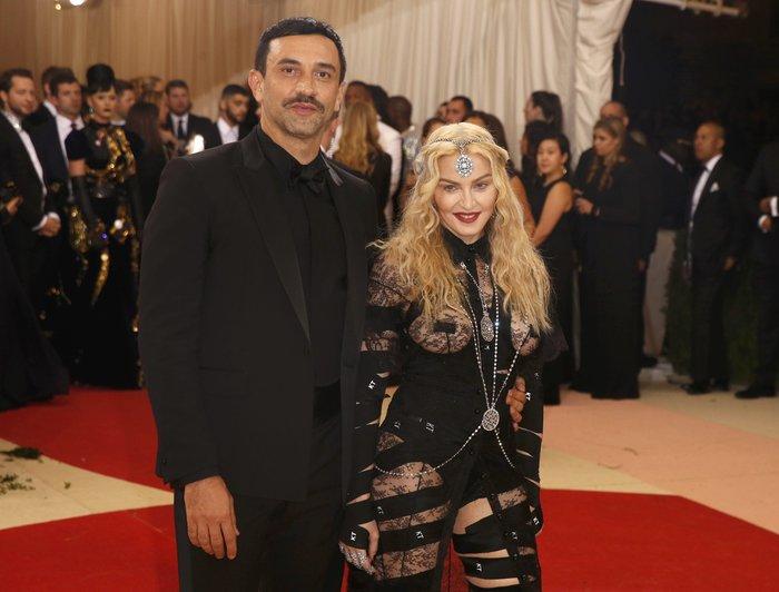 Η εμφάνιση της Madonna στο Met Gala. Γιατί μπορεί... - εικόνα 3