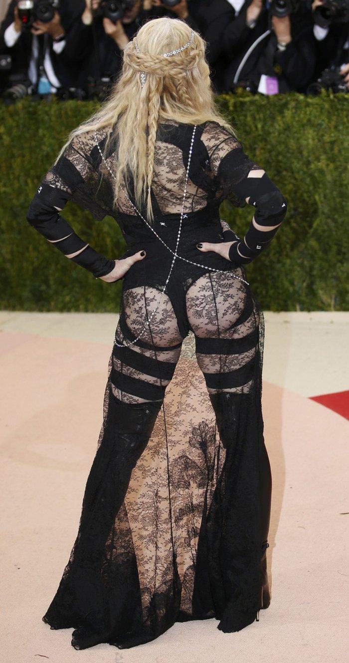 Η εμφάνιση της Madonna στο Met Gala. Γιατί μπορεί... - εικόνα 4